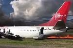 Boeing 737 geht in Flammen auf – Alle 141 Menschen gerettet