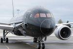 Dreamliner von Air New Zealand tanken auf Guam nach