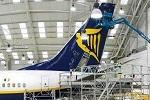 Ryanair zieht Ersatzteile aus englischem Lager ab