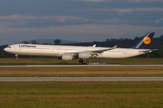 Lufthansa Aibus A340-600