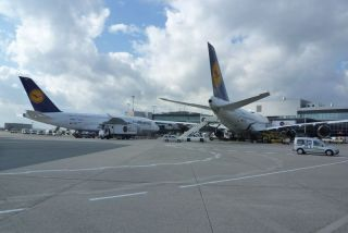 Lufthansa-Flaggschiffe A380 und B747-8 in Frankfurt