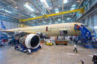 A350 XWB MSN001 erhält ihre Triebwerke