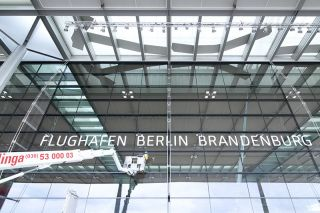 Glasfassade des BER-Terminals