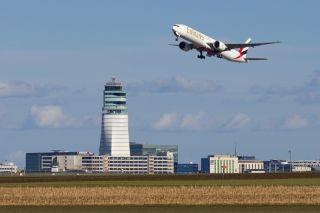 Emirates am Flughafen Wien