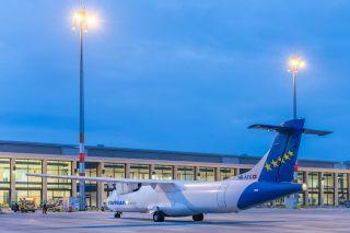 Farnair ATR72-Frachter am BER