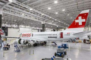 Bombardier CS100 FTV in Swiss-Farben