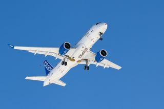 Bombardier CS300 Erstflug