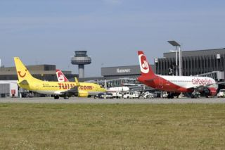 Air Berlin und TUIfly am Flughafen Hannover
