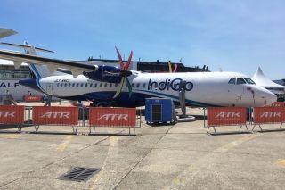 ATR 72-600 in Indigo-Farben auf der PAS17