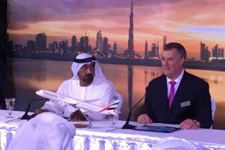 Scheich Ahmed und Boeing-Chef Kevin McAllister