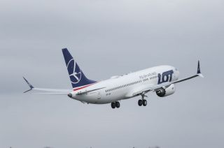 LOT Boeing 737 MAX 8