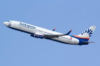 SunExpress 737