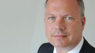 Oliver Lackmann, Flyniki