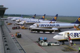 Ryanair lineup BTS
