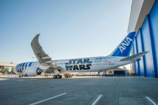 ANA Boeing 787-9 R2-D2