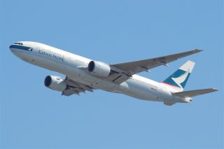 Cathay Pacific Boeing 777-200 B-HNL