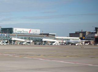 Lufthansa am Flughafen Bremen