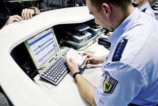 Passkontrolle durch die Bundespolizei