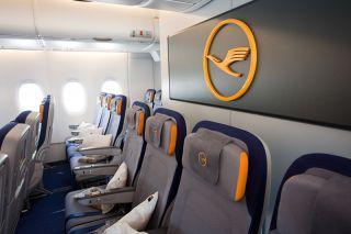 Lufthansa Economy Intercont