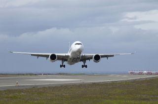 Airbus A350 Crosswind Landing
