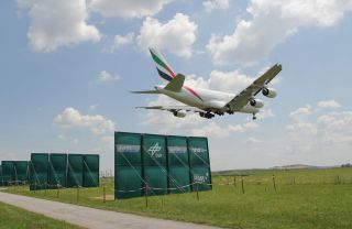 DLR und Austro Control testen die Bodenplatten am Flughafen Wien