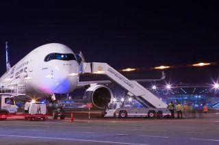 Airbus A350-900 in Moskau