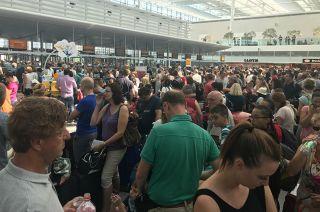 Das Terminal 2 in MUC war wegen eines Polizeieinsatzes vorübergehend gesperrt. Chaos am Flughafen München zum Ferienbeginn.
