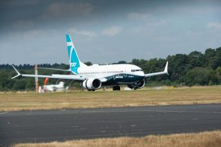Boeing 737 MAX 7 trifft in Farnborough ein