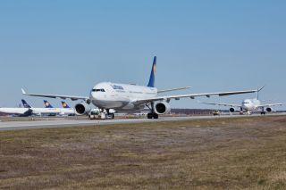 Geparkte Lufthansa-Jets