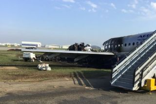 Superjet-Wrack nach Unfall in Moskau