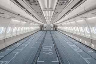 Hi Fly Airbus A340 im Frachterausbau