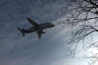 Airbus Beluga im Anflug auf Finkenwerder