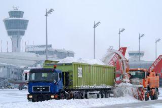 Winterdienst am Flughafen München