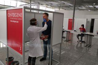 Teststation am Flughafen Frankfurt