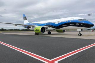 Air Baltic Airbus A220 Sonderlackierung Litauen