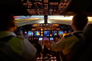 Boeing 737 Cockpit Crew