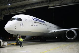 Airbus A350-900 bei Lufthansa Technik