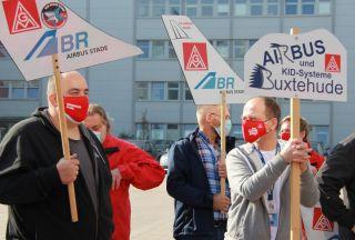 Airbus- und Premium Aerotec-Mitarbeiter im Warnstreik