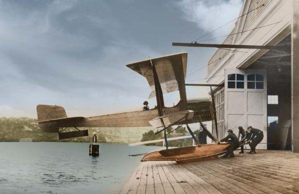 1916: B & W Seaplane