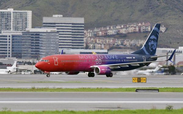 Alaska Airlines Boeing 737-900ER