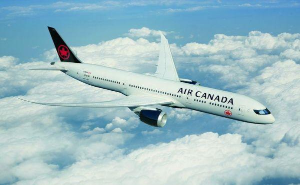 Neue Lackierung von Air Canada