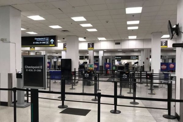 Miami Airport Check-In Halle