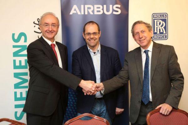 E-Fan X-Kooperation: Frank Anton (Siemens), Mark Cousin (Airbus), Paul Stein (Rolls-Royce) (von links)