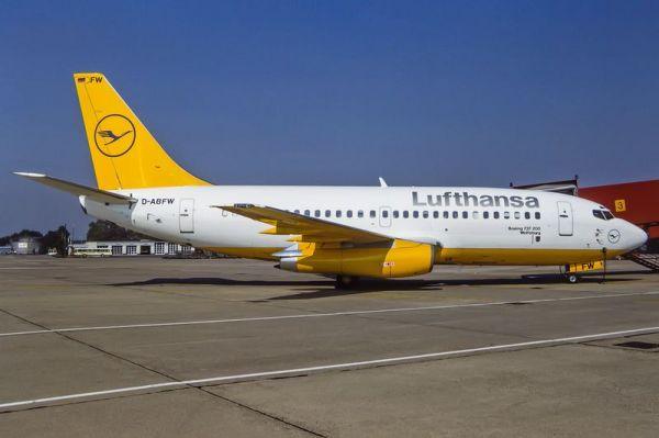Lufthansa Boeing 737-200