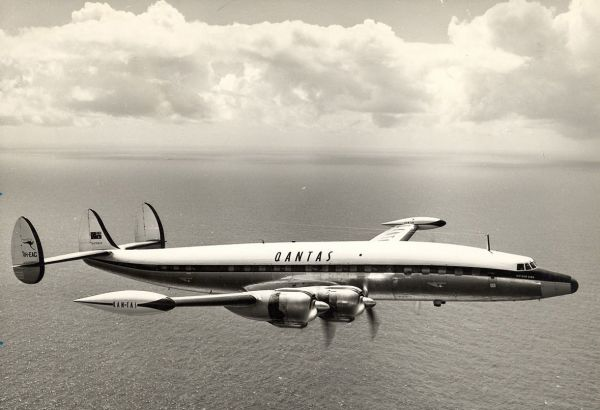 Qantas Lockheed Super Constellation Southern Horizon