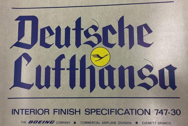 Im Historischen Unternehmensarchiv der Lufthansa