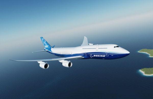 DIe Boeing 747-8 in der neuen Werkslackierung