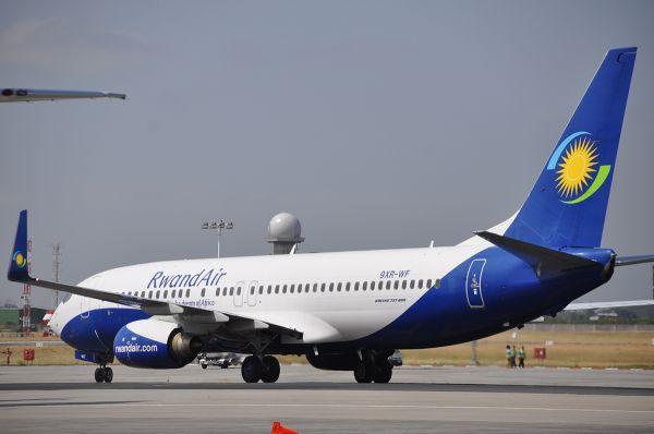 RwandAir Boeing 737-800
