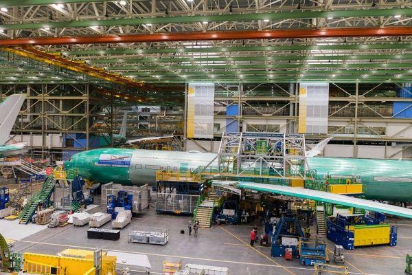 Erste Lufthansa Boeing 777-9 in der Endmontage