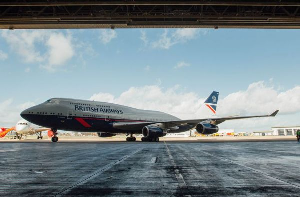 British Airways Boeing 747 mit Landor-Lackierung